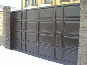 Въездные ворота металлические откатные, филенка, вид снаружи.